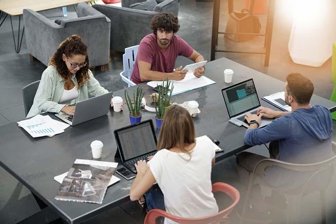Menschen in einem Coworking-Space